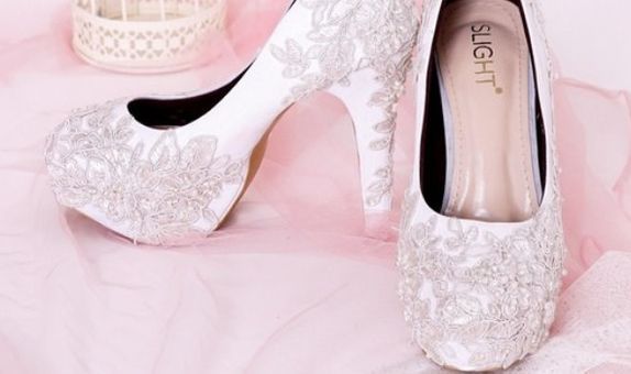 Sepatu Wedding Platform Brukat Putih