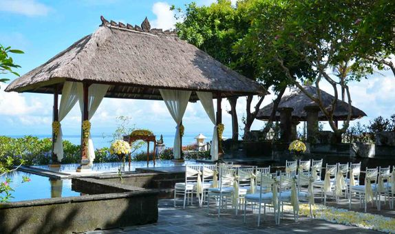BALE KENCANA OR ASMARA SECRET GARDEN COMPLETE PACKAGE 40 GUESTS