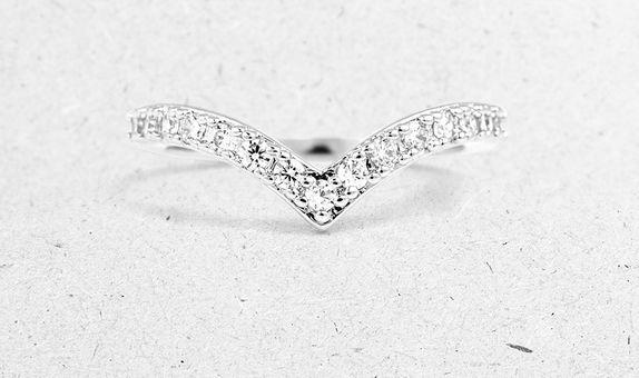 Savia V-Shape Ring (6 Days Rental)