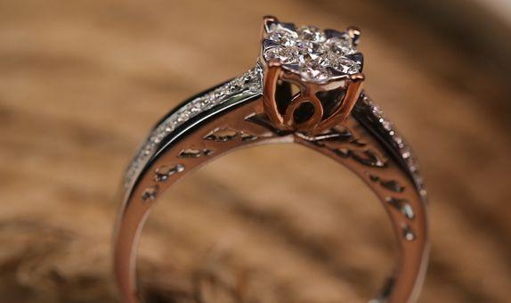 Evonne Ring
