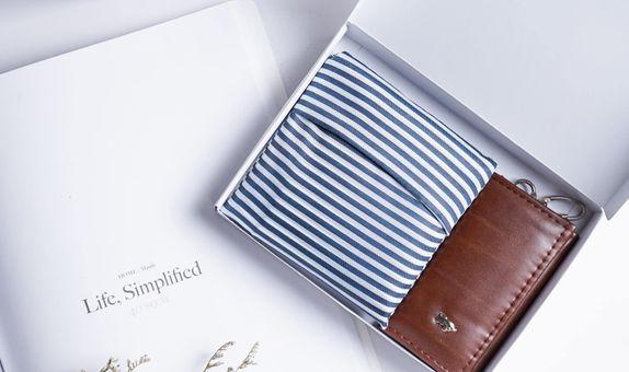 Soft Box Printed with Non-Custom Shopping Bag