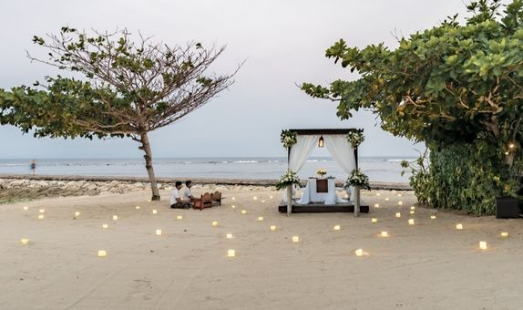 Romantic Candle Light Dinner by the Beach
