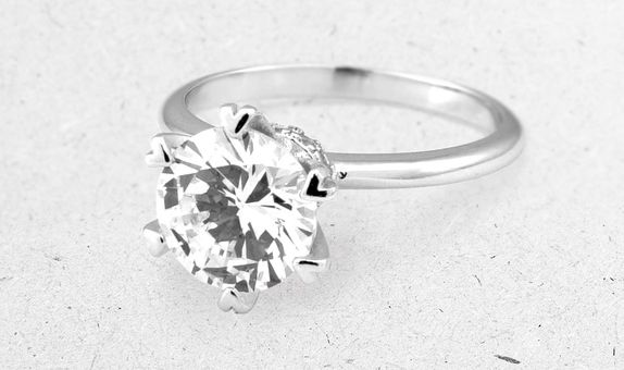 Airi Solitaire Ring (4 Days-Rental)
