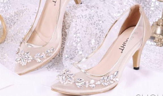 Sepatu Pointed Aurora Gold