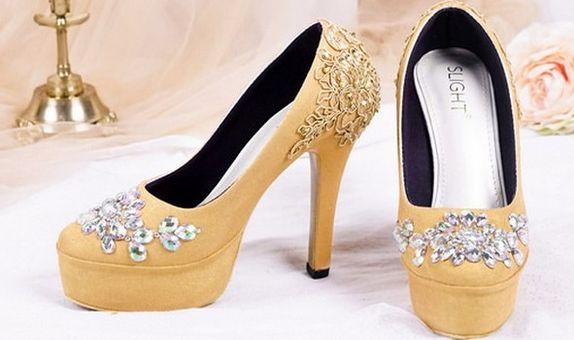 Sepatu Platform Brukat Gloria Gold