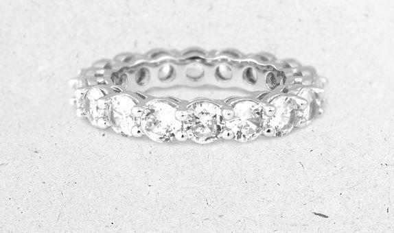 Megumi Eternity Ring (2 Days Rental)