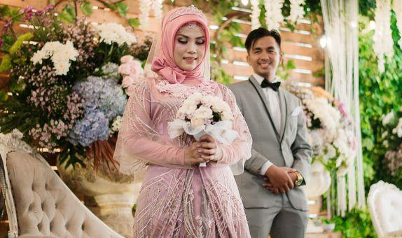 Intimate Wedding di Gedung/Hotel/Rumah Makan di bawah Rp 40.000.000,-