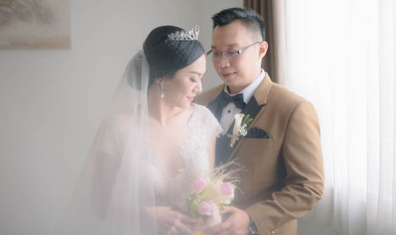 Lily wedding package