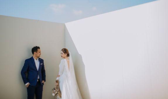 Custom Rent Minimalist Wedding Gown