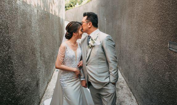 Custom & Rent Wedding Gown