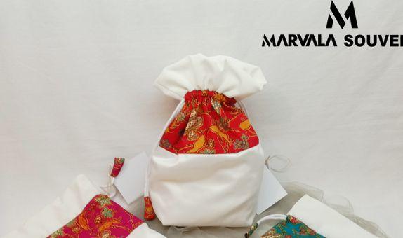 Muna Bucket Drawstring Pouch Batik Cap size L
