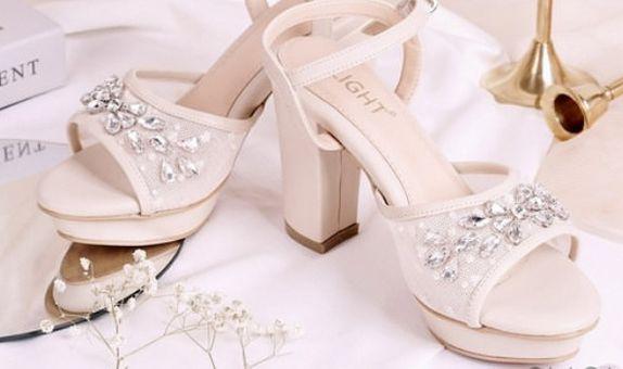 Sepatu sandal Ankle Strap Eleanor Cream