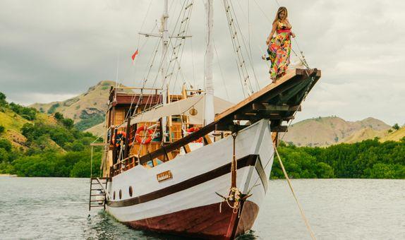 Sailing Komodo - Labuan Bajo 3D2N ny TripKu