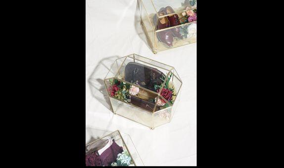 Kotak Seserahan Terrarium