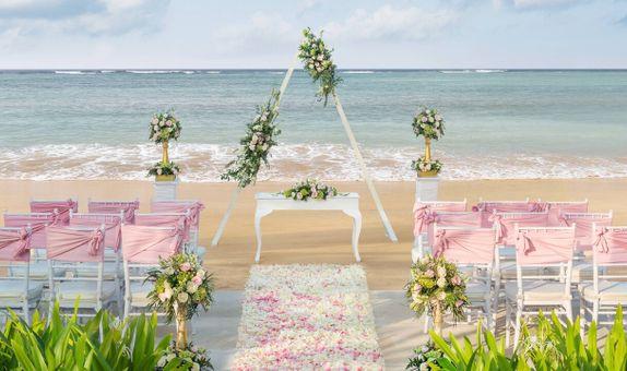 The Laguna Bali Resort – Beach Wedding