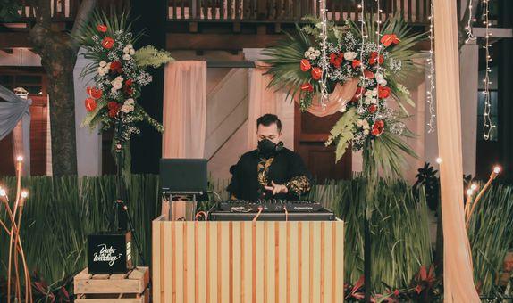Go Intimate 500 Wedding DJ Package ( 500+ Pax Medium-Large Venue )