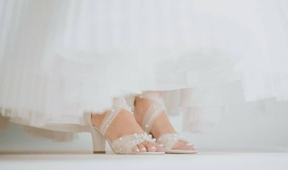 HELEN white (flat to 14cm)