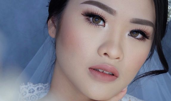 Silver Wedding Makeup Package (No Retouch)