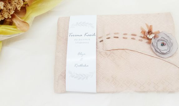 Nora Tissue Pouch with Embelishment