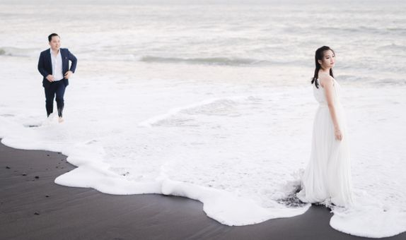 Bali Destination Prewedding by Écru Pictures