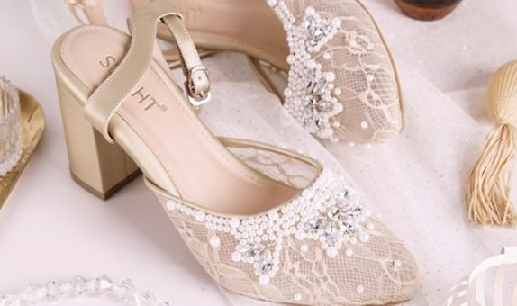 Sepatu Sandal Ankle Strap Adeline Gold