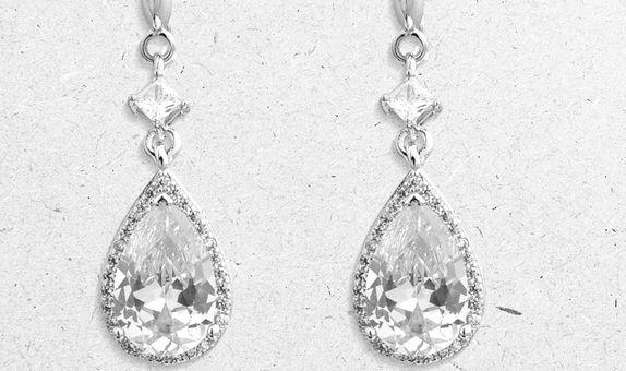 Anzu Drop Earrings (2 Days Rental)