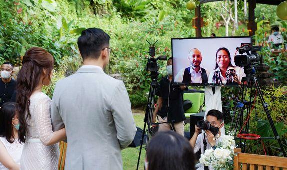 Wedding Add On - Zoom Interactive (Simultaneous Zoom & YouTube/FB/IG)