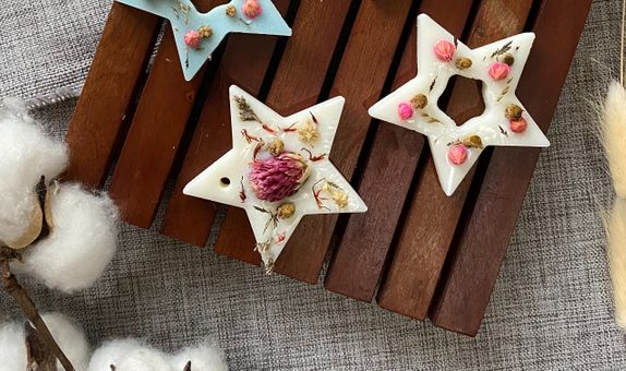 Star Soy Wax Aromatherapy with Dried Flowers
