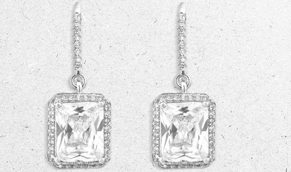 Manami Drop Earrings (6 Days-Rental)