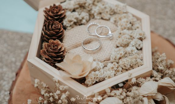 Daisy Package (Engagement Organizer)