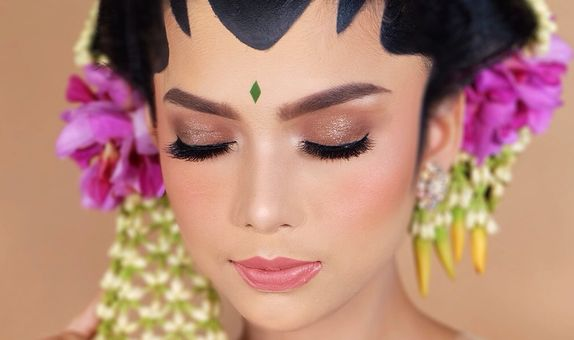 Wedding Makeup + Hair/Hijabdo + Retouch