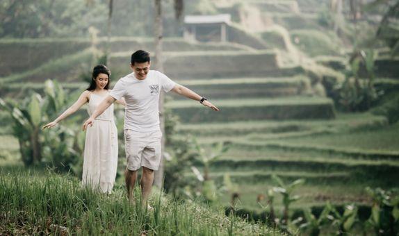 12-Hours Bali Prewedding Photo & Video Conceptual