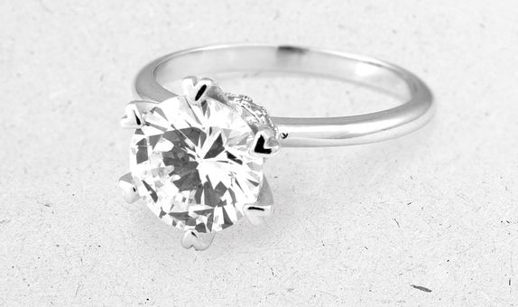 Airi Solitaire Ring (2 Days-Rental)