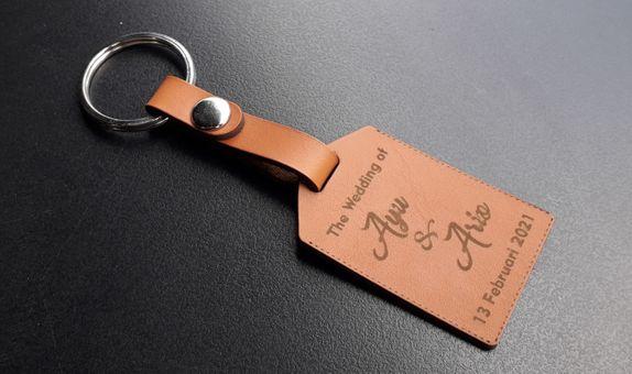 Gantungan Kunci Kulit Tag