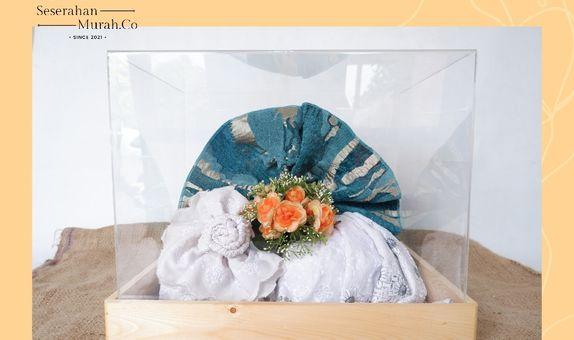 Seserahan box akrilik dan bunga artifisial premium