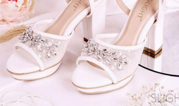 Sepatu Sandal Ankle Strap Eleanor Putih