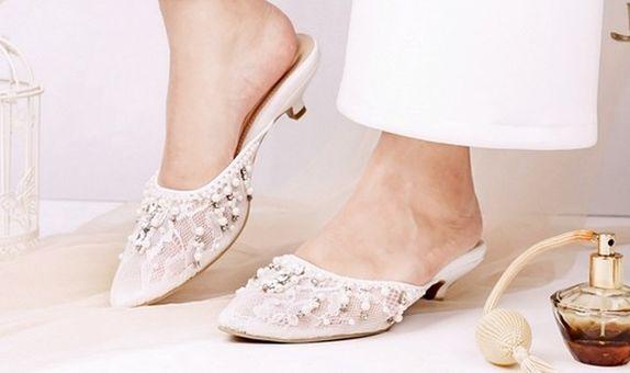 Sandal Selop Emerald Putih