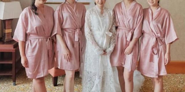 Upper East Bridesmaid Luxury Bridesmaid Robe By Upper East Bridesmaid Bridestory Store