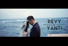 REVY AND YANTI by Flipmax Photography