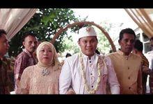 Pernikahan yang di adakan di daerah perumahan cikarang utara yang berkonsep rustic. by DELLIO MAKE UP