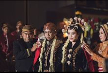 Green Tower GKM Wedding of Dewi & Yudha full version by GoFotoVideo