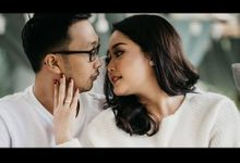 Intimate Couple Session by Lentera Wedding