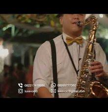 Mingling Musician - Solo Saxophone by Luxe Voir Enterprise