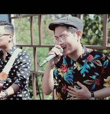 Moondance Bali Entertainment covering Love Someone  by Moondance Bali