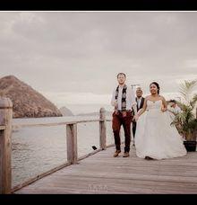 Martha & Casey Wedding at Plataran Komodo Labuan Bajo by AKSA Creative