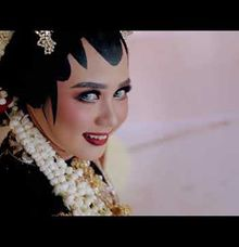 "Video Semi Cinematic Traditional Javanese "" Dian & Tari "" by Doctor Photography Videography"