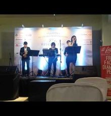 With Singer Samples by D11 Ensemble