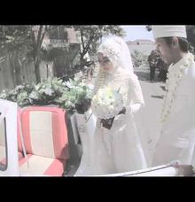 Flowers And Volkswagen Wedding Clip by Kite Creative Pictures