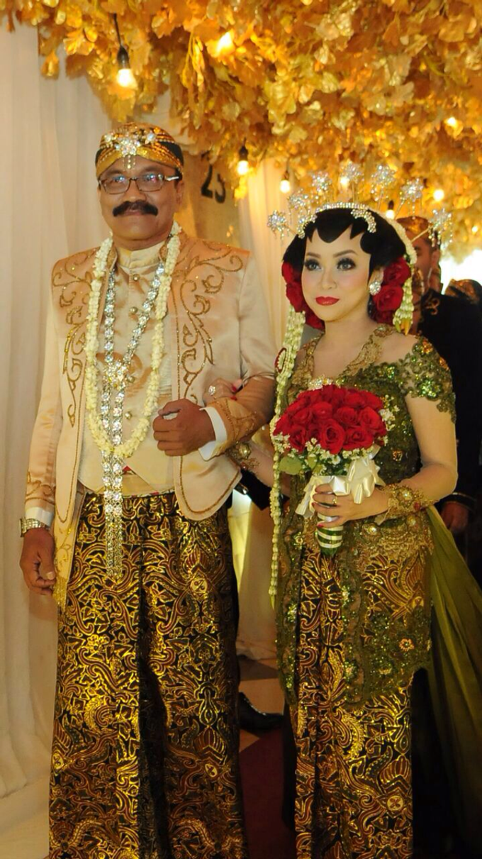 Sovereign plaza tb simatupang wedding cakes