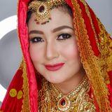 Elysa Knia Makeup